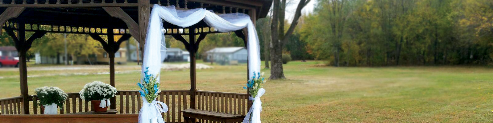 the center of lacrosse outdoor weddings